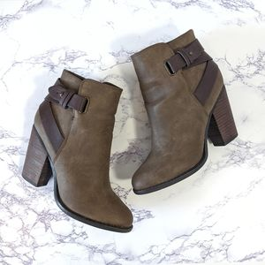 ALDO brown strap ankle boots Size 6